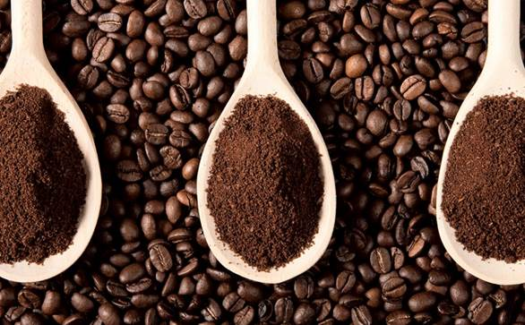 làm trắng da bằng bã cafe