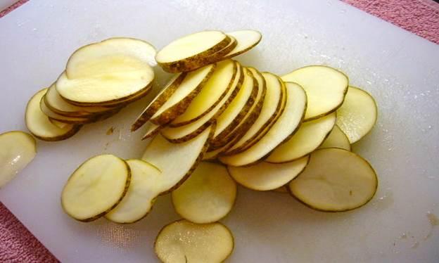 Photo of Bỏ túi 3 cách làm trắng da bằng khoai tây cực hiệu quả