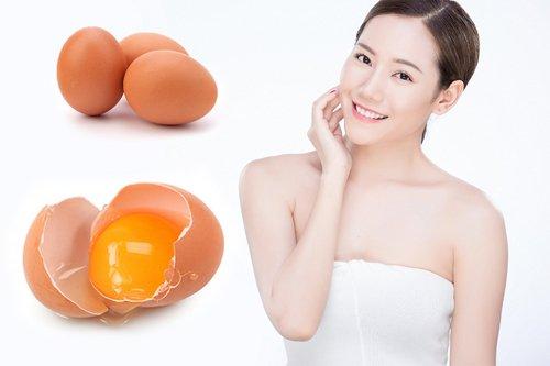 làm trắng da mặt bằng trứng gà